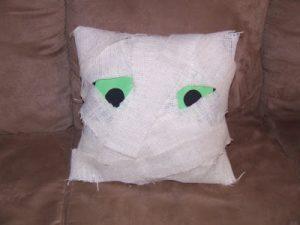 Tutorial Tuesday: Mummy Pillow