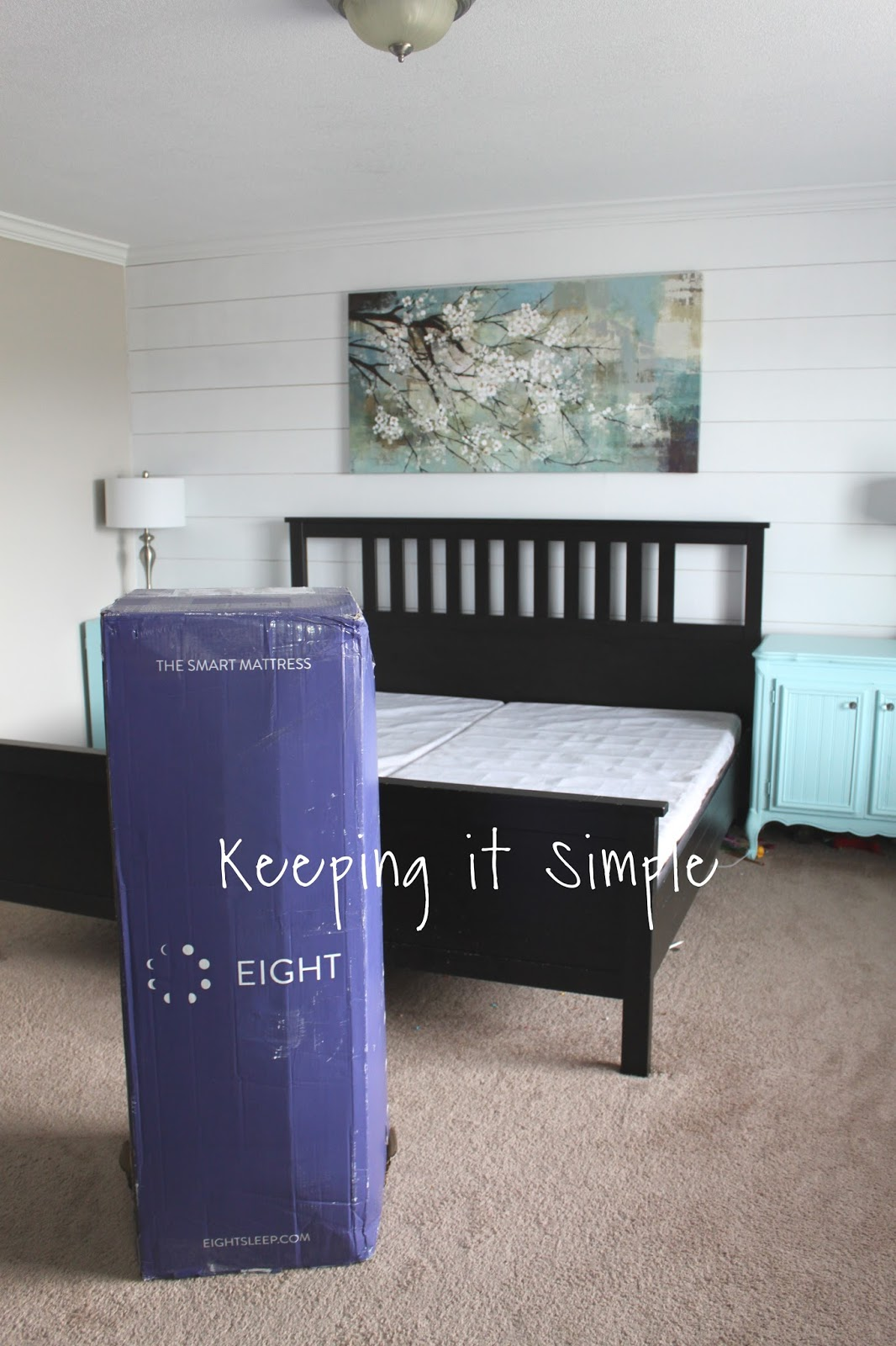 eight the smart mattress bed in a box mattress keeping it simple. Black Bedroom Furniture Sets. Home Design Ideas