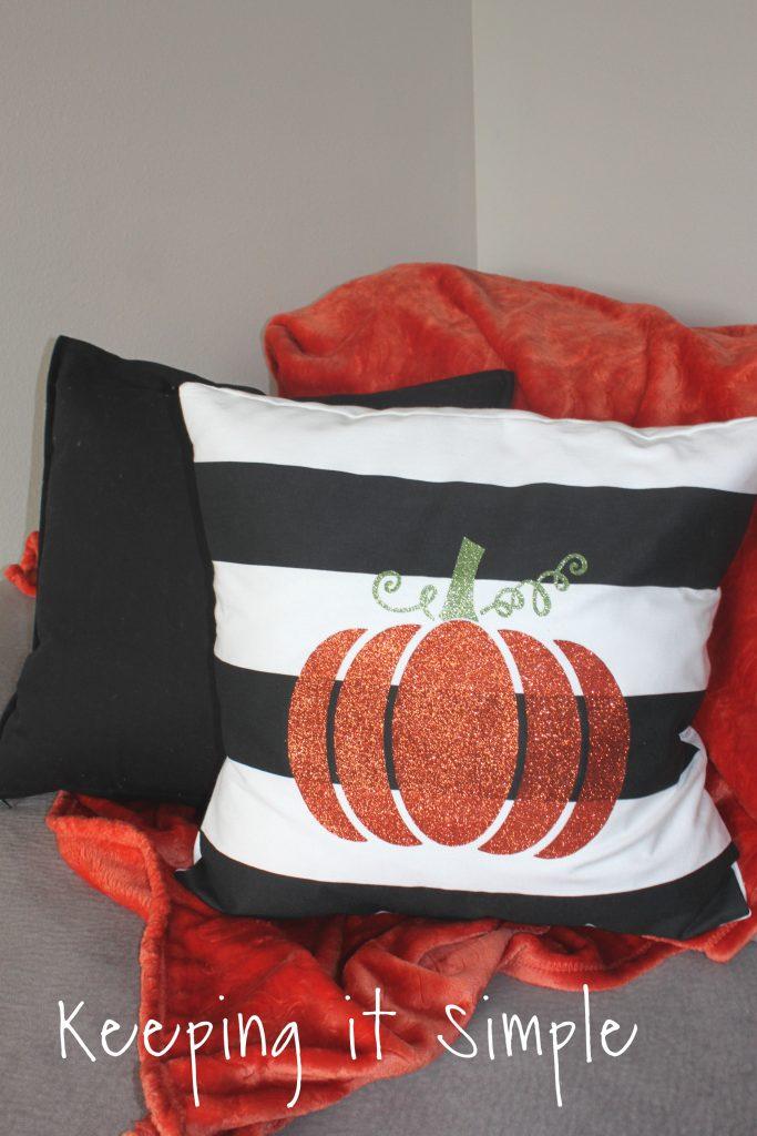Halloween Pillow Ideas on halloween throw pillows, halloween soap ideas, halloween towels ideas, halloween table ideas, halloween vase ideas, halloween bath ideas, halloween hat ideas, halloween project ideas, halloween cushion ideas, halloween shirt ideas, halloween mirror ideas, halloween curtains ideas, halloween wallpaper ideas, halloween throw blankets, halloween bag ideas, halloween greeting card ideas, halloween wall ideas, halloween birthday card ideas, halloween reading ideas, halloween book ideas,